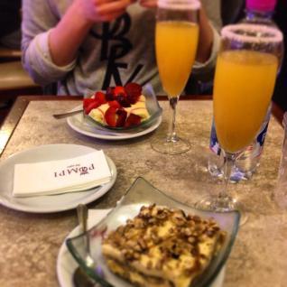 Tiramisú & Mimosas