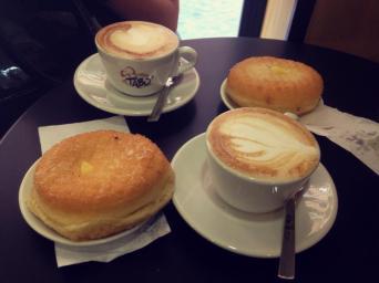 Bomba and cappuccino